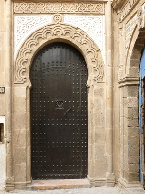 door-in-essaouira-medina.jpg